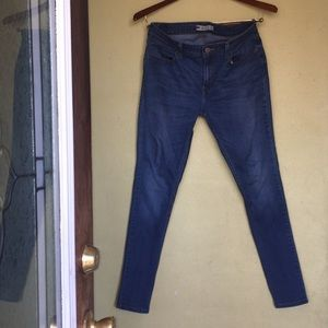 Levi's Jeans size 32 Good condition.